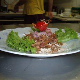Pork tenderloin with bacon, horseradish and dark beer