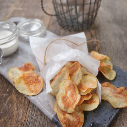 Potato Chips with Sour Cream and Onion Dip