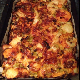 Potato, leek and sage gratin