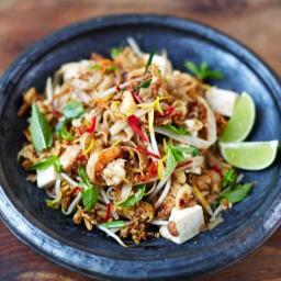 Prawn & tofu pad Thai