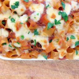 Pressure Cooker Pasta Recipe with Cheese and Meat (Mezzemaniche Pasticciate