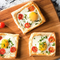 Puff Pastry Galettes with Eggs