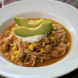 Pulled chipotle chicken with corn and chickpeas