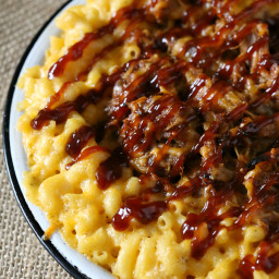 Pulled Pork Mac and Cheese {Piggy Mac}