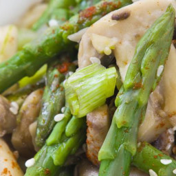 Quick and Easy Asparagus Stir-Fry with Oyster Sauce