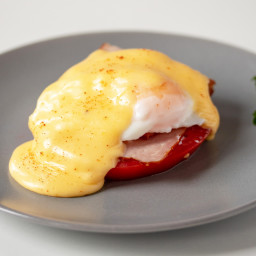 Quick and Easy Keto Hollandaise Sauce