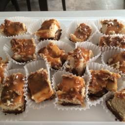 Quick Caramel Praline Cheesecake