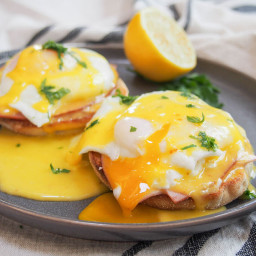 Eggs Royale / Benedict (QUICK)