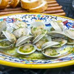 quick-note-vongole-alla-brace-grilled-clams-2017560.jpg
