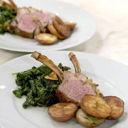 rack-of-lamb-with-herb-crust-2387386.jpg