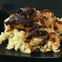 Raisin Chicken with Mushrooms