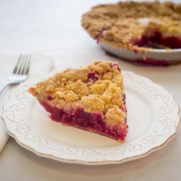 Raspberry Apple Crumb Pie