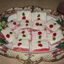 raspberry-poke-cake-3.jpg
