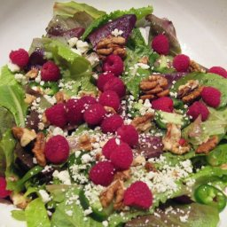 Raspberry Walnut Mixed Greens