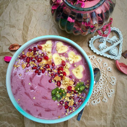 Raspberrylicious Smoothie Bowl for Valentine's Day