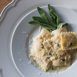 RAVIOLI WITH SAGE IN BUTTER SAUCE