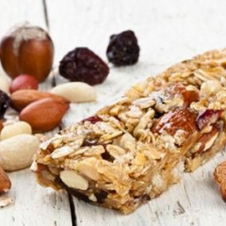 Raw Lemon-Coconut BarsThese tasty bars are similar to Lärabars, but contain
