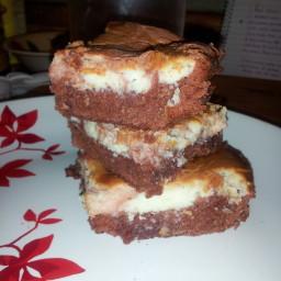red-velvet-cheesecake-brownies-5.jpg