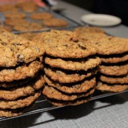 Regal Oatmeal Chocolate Chip Cookies