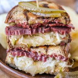 reuben-sandwich-2660756.jpg