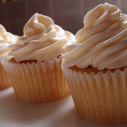 Rhubarb and custard cup cakes