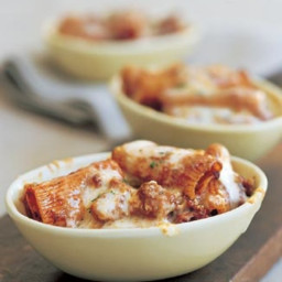 Rigatoni with Cheese and Italian Sausage