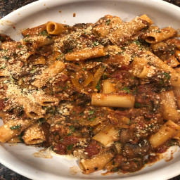 Rigatoni with smokey mushrooms peppers and spinach.