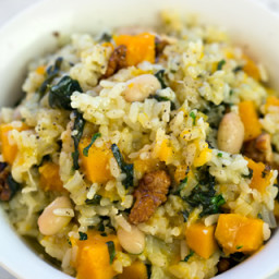 Risotto with pumpkin, spinach, cannellini beans and walnuts