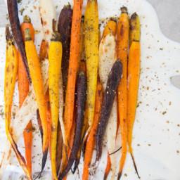 Roasted Carrots with Garlic Yogurt