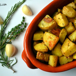 Roasted Garlic, Rosemary and Thyme Potatoes