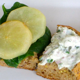Roasted Pear with Baby Spinach Sandwich