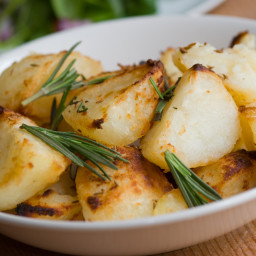 roasted-potatoes-with-garlic-and-ro-8.jpg
