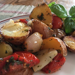 Roasted Potatoes with Tomato and Shallot