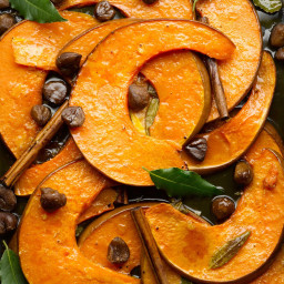 Roasted pumpkin wedges with chestnut, cinnamon and fresh bay leaves