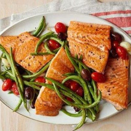 Roasted Salmon, Green Beans, and Tomatoes