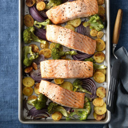 Roasted Salmon with Crispy Potatoes and Broccoli