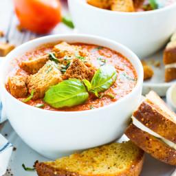 Roasted Tomato Basil Soup (Vegan)