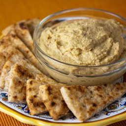 Roasted cauliflower & garlic hummus