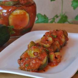 Rodajas de calabacín en salsa de tomate picante