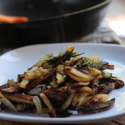 Russian Style Home Fries with Creamy Garlic Sauce…ЖАРЕНАЯ КАРТОШКА…25 Days