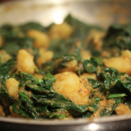 Saag Aloo (Indian Potatoes with Spinach)