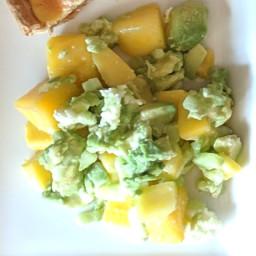 Salade mangue - concombre - mozarella - avocat