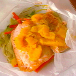 Salmon Fillet en Papillote with Julienne Vegetable