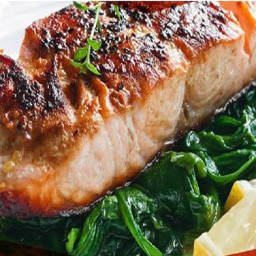Salmon with thyme on bed of spinach