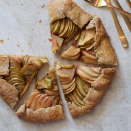 salted-maple-apple-galette-recipe-2473965.jpg