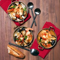 San Francisco-Style Cioppino and Grilled Bread