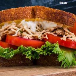 Sanduíche de Frango com Queijo Cottage