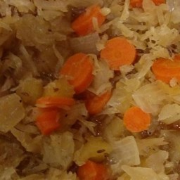 Sandy's Sweet Slow Cooker Sauerkraut