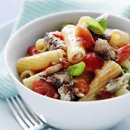 Sardine and fresh tomato pasta