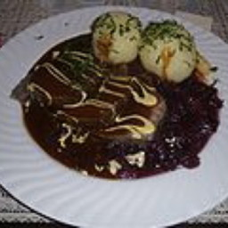 Sauerbraten (simple & authentic) with Gingersnap Gravy